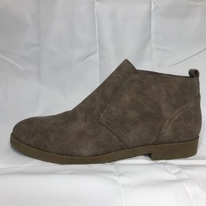 Indigo Rd Faux Suede Booties Size 7.5